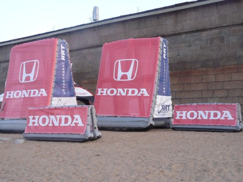 Honda_inflatable_signs_Russia