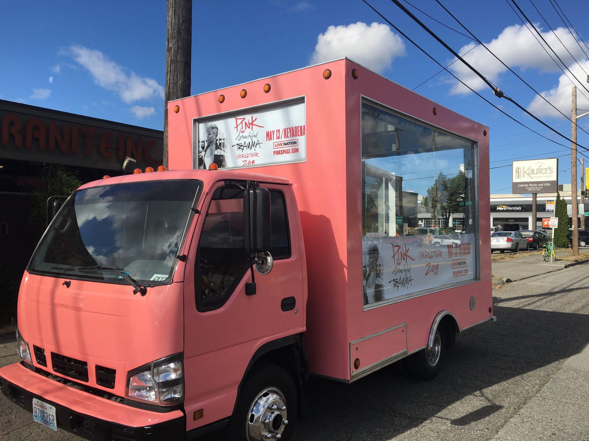 iAM, i Alternative Media - 3D display/mobile billboard trucks