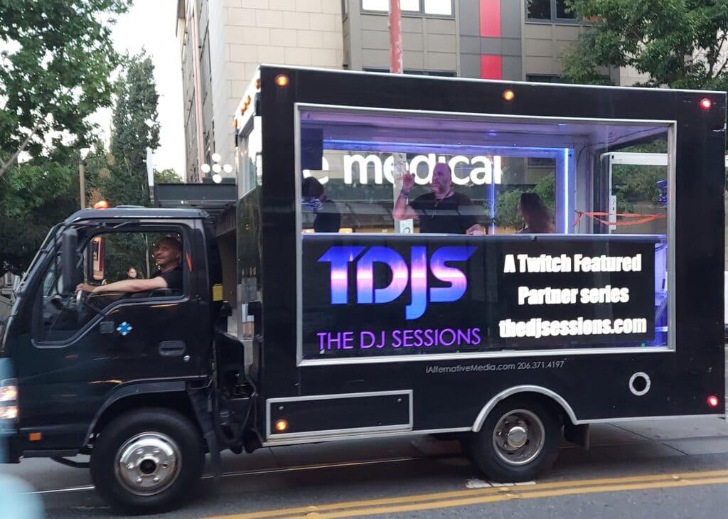 i Alternative Media mobile advertising video wall trucks